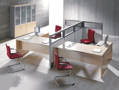 Executive Caba Office Space In A Light Oak Finish With Acoustic Desk Screens