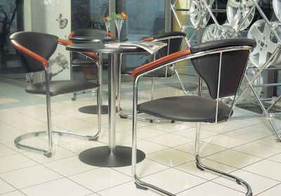 Lena Table With Kelly Chairs