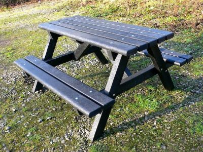 Westpoint Picnic Table With A Bull Nose Erdge