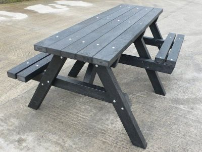 Westpoint Chunky Picnic Tables With Wheelchair Access 1
