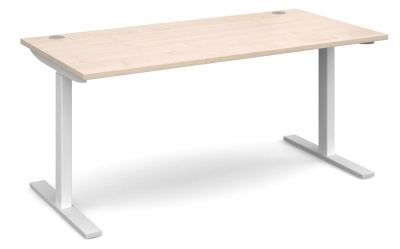 Elev8 Desk With A Maple Top