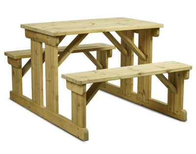 Easy Access Walk In Picnic Table
