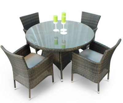 Cuba Four Person Dining Set With A Round Table And Glass Topo