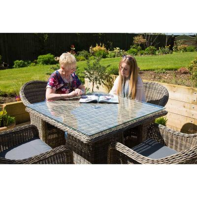 Hampstead Four Seater Dining Set Mood 2